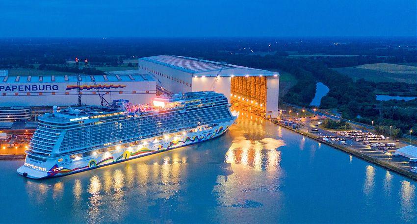 Norwegian Cruise Line Encore Verlässt Die Meyer Werft