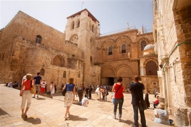 Jerusalem: Die Grabeskirche, Höhepunkt jeder christlichen Pilgerreise - Foto: Noam Chen/IMOT