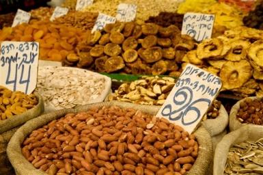 Jerusalem: Den Mahane Yehuada Markt am besten hungrig besuchen und sich durchkosten - Foto: Noam Chen/IMOT