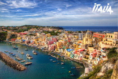 Foto: Procida (Panorama mit Meer): ©[RolfSt] / iStock / via Getty Images
